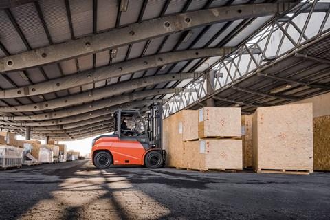 Toyota Material Handling: Toyota Traigo 80 4-ruote 8t @900mm BC_8